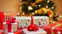 Il gesto dello scambio dei regali trova origine non nella cultura borghese-consumistica, ma nelle antiche tradizioni romane, così come per il gioco antenato della tombola. […]