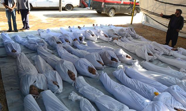 Le vittime dell'attacco chimico di Ghouta (Siria) del 2013. Subito attribuito ad Assad per giustificare intervento, dopo due anni si scoprì che il gas era dei ribelli. La storia si ripete?