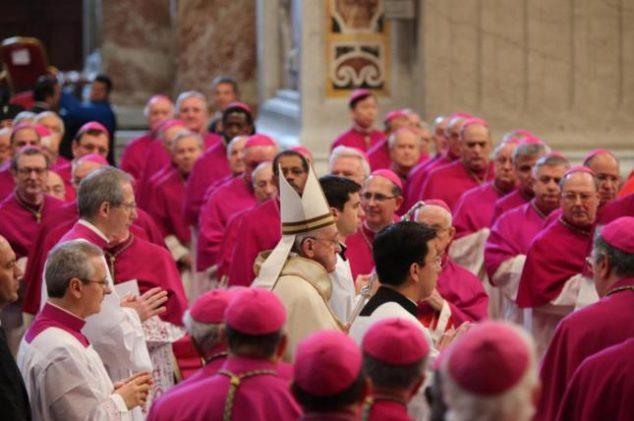 papa-francesco-cardinali-chiesa