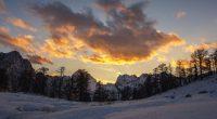 """""""In linguaggio astronomico il solstizio d'inverno è il giorno in cui il sole tocca il punto più basso dell'ellittica, quasi come se si allontanasse e […]"""