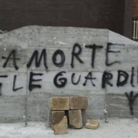 Lapide Moro imbrattata: non fu eversione, ma il gesto di un idiota (incensurato)